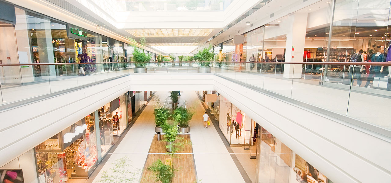 Air humidification in shopping centres