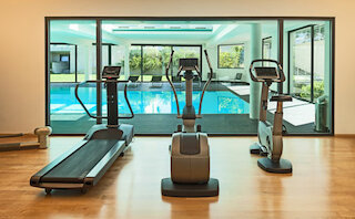 gym fitness room with regulated air humidification